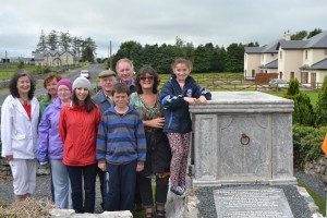 Mary, Maria, Mary, family & friends at O'Flaherty Tomb
